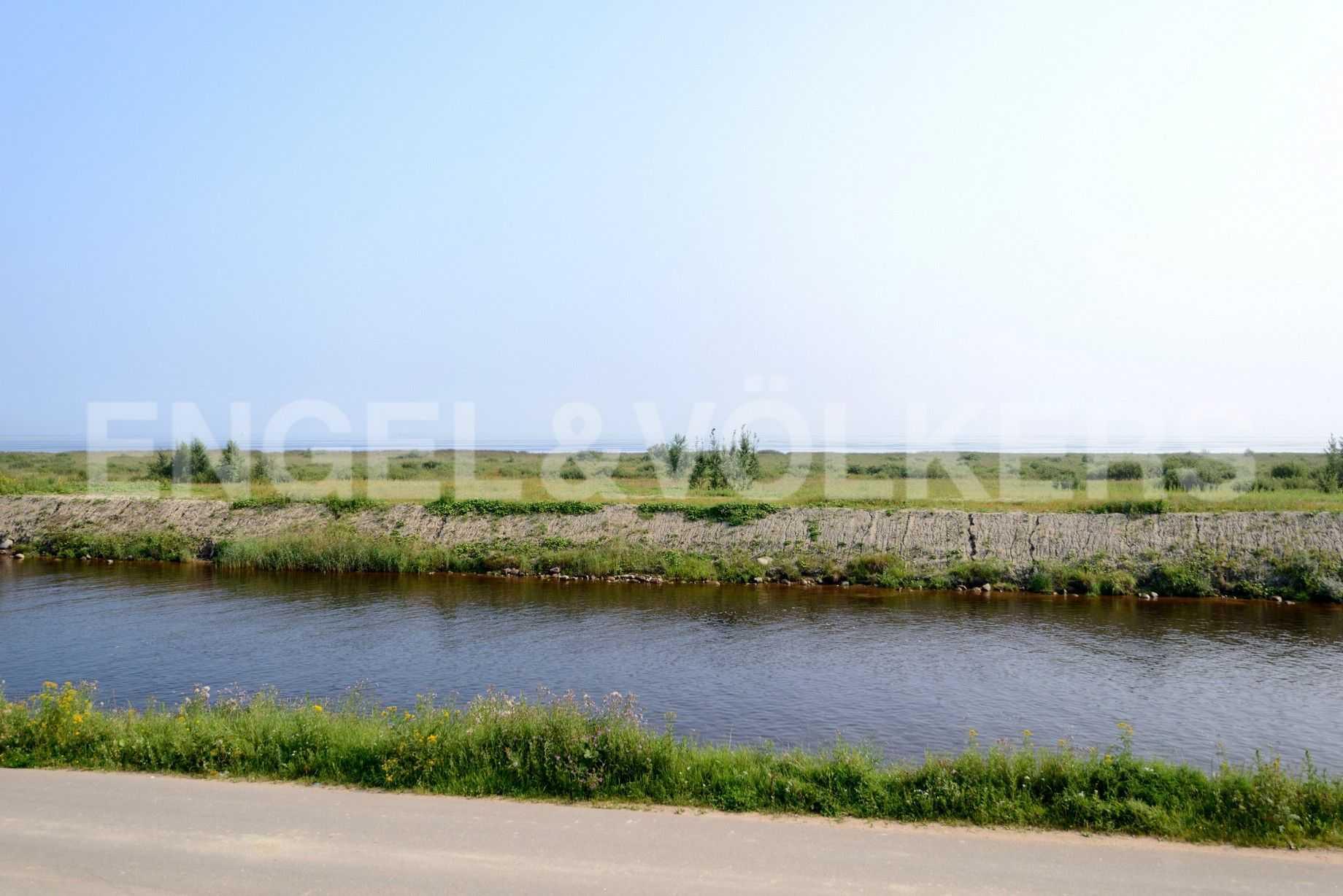 Элитные квартиры в Других районах области. Ленинградская область, г.Шлиссельбург, Новоладожский канал.