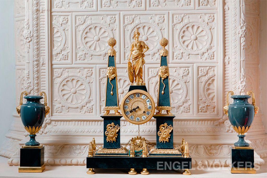 Три Грации часы старинные