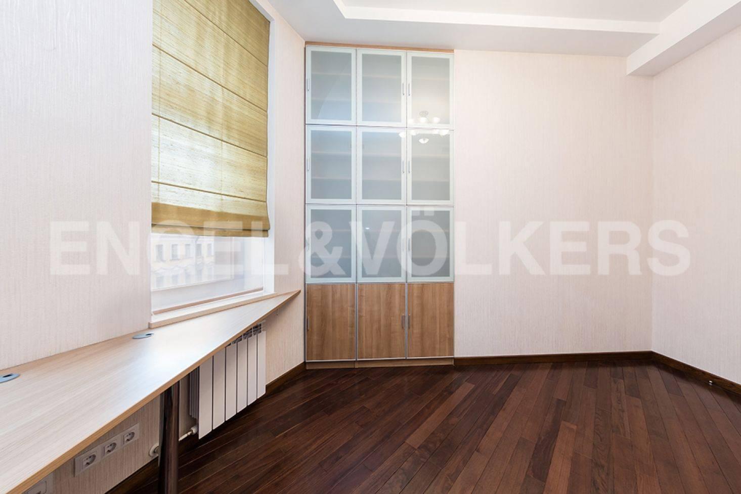Элитные квартиры в Центральном районе. Санкт-Петербург, ул. Восстания 8А . Гостевая спальня (либо кабинет, либо детская)