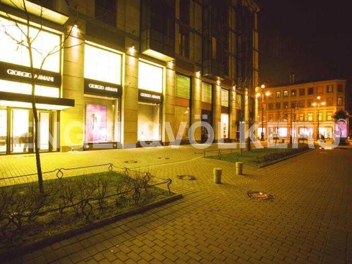 Элитные квартиры в Центральном районе. Санкт-Петербург, Невский пр. 152. Пешеходная зона Тележного переулка