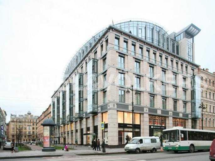 Элитные квартиры в Центральном районе. Санкт-Петербург, Невский пр. 152. Фасад дома