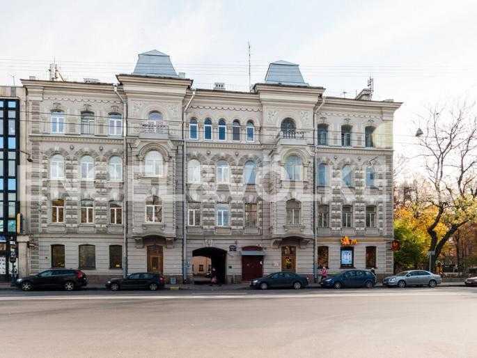 Элитные квартиры в Центральном районе. Санкт-Петербург, Суворовский пр., 33. Фасад дома