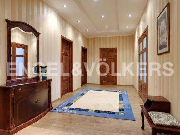 Элитные квартиры на . Санкт-Петербург, 2-ая Березовая аллея 13-15. Прихожая