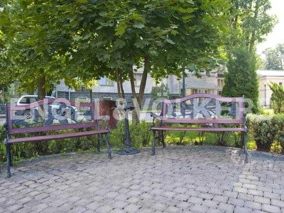 Элитные квартиры на . Санкт-Петербург, 2-ая Березовая аллея 13-15. Благоустроенная территория комплекса