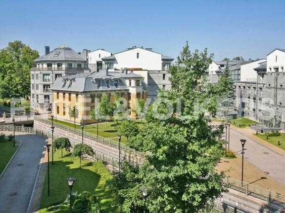 Элитные квартиры на . Санкт-Петербург, 2-я Березовая аллея 15. Вид из квартиры на территорию комплекса