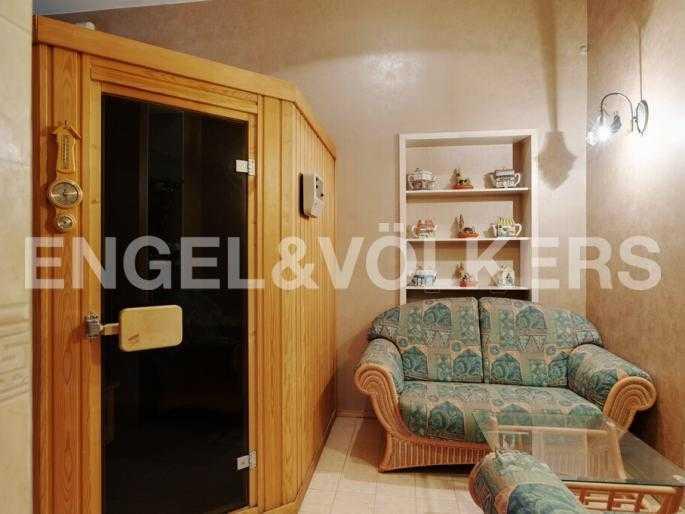 Элитные квартиры в Центральном районе. Санкт-Петербург, Суворовский пр., 33. Сауна с зоной отдыха