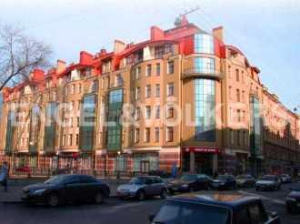 Восстания, 8 — «Петербургский стиль»