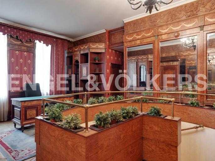 Элитные квартиры в Центральном районе. Санкт-Петербург, Суворовский пр., 33. Второй уровень