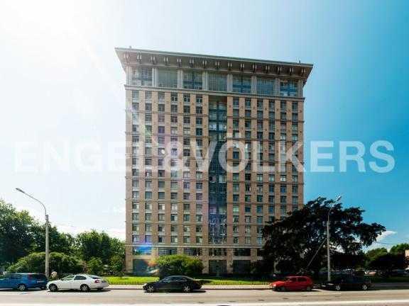 Элитные квартиры в Других районах области. Санкт-Петербург, 27-я линия 16. Фасад здания