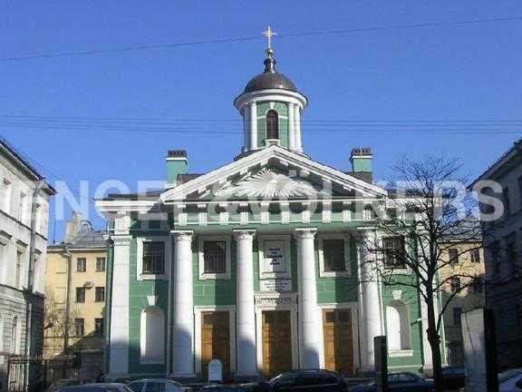 Элитные квартиры в Центральном районе. Санкт-Петербург, Большая Конюшенная ул. 12. Финская церковь святой Марии