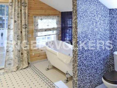 Элитные квартиры в Курортный р-н. Санкт-Петербург, г. Сестрорецк, наб. Реки Сестры. Ванная комната