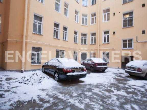 Элитные квартиры в Петроградский р-н. Санкт-Петербург, Гатчинская ул. 9. Внутренний двор