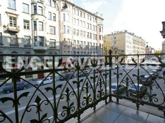 Элитные квартиры в Петроградском районе. Санкт-Петербург, Ленина ул. 22. Балкон