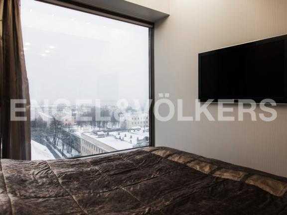 Элитные квартиры в Центральном районе. Санкт-Петербург, Большой Сампсониевский пр. 4-6. Вид из окна в спальне