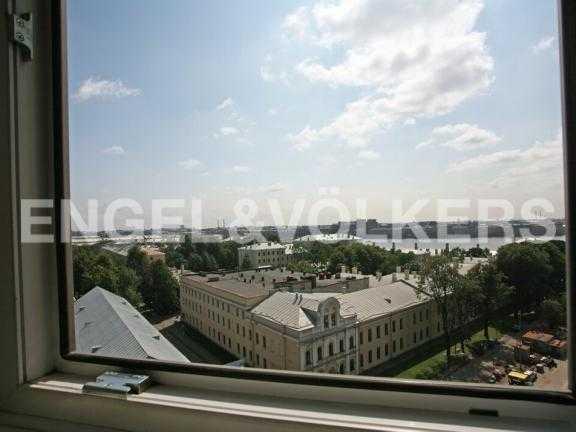 Элитные квартиры в Центральном районе. Санкт-Петербург, Большой Сампсониевский пр. 4-6. Вид из окна