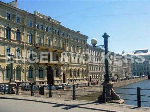 Элитные квартиры в Центральном районе. Санкт-Петербург, Наб. Крюкова канала 4. Фасад дома