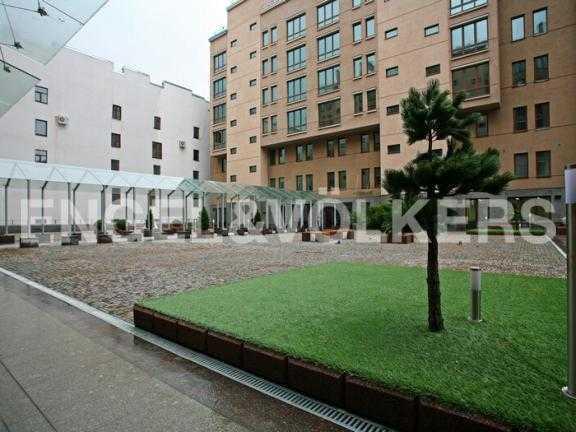 Элитные квартиры в Центральном районе. Санкт-Петербург, Тверская ул. 1А. Территория внутреннего двора