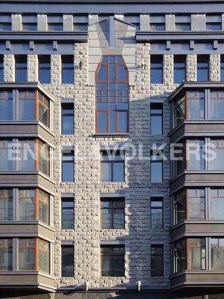 Элитные квартиры в Центральном районе. Санкт-Петербург, Тверская ул. 1А. Эркеры на фасаде дома