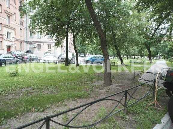 Элитные квартиры в Других районах области. Санкт-Петербург, ул. Победы, 16. Внутренний двор