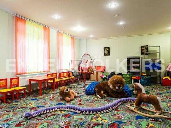 Элитные квартиры в Других районах области. Санкт-Петербург, 3-я линия 52. Общая детская комната (инфраструктура комплекса)