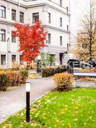 Элитные квартиры в Других районах области. Санкт-Петербург, 3-я линия 52. Закрытая территория комплекса
