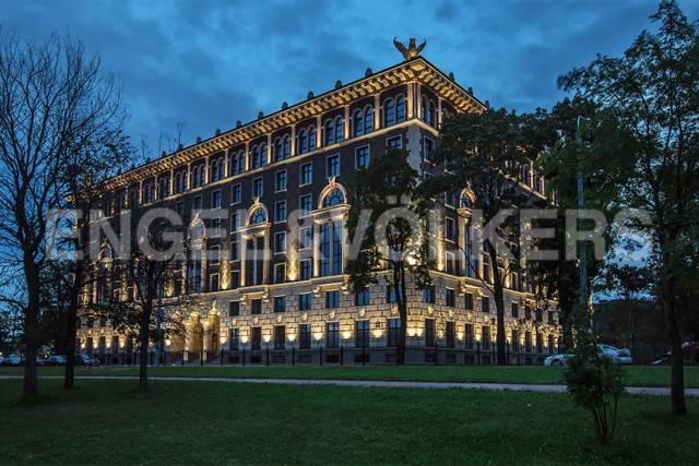 Элитарный дом «Венеция» -  вид на резиденции Конституционного суда