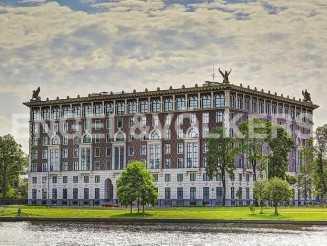 Элитарный дом «Венеция» —  вид на резиденции Конституционного суда