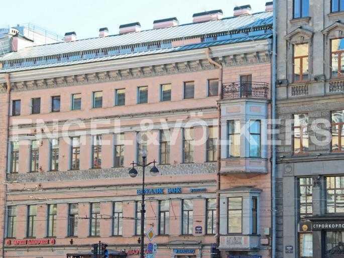 Элитные квартиры в Центральном районе. Санкт-Петербург, Невский пр. 3. Фасад дома