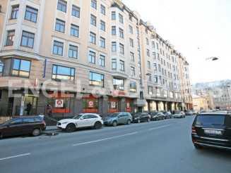 9-я Советская, 5  — современный дом в исторической части города