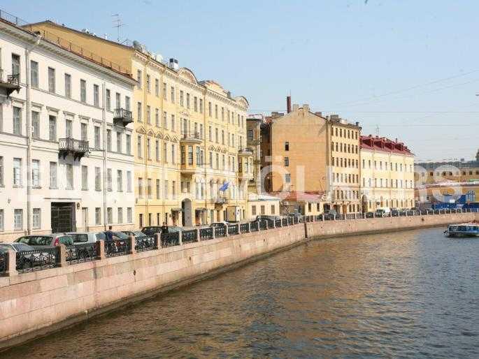 Элитные квартиры в Центральном районе. Санкт-Петербург, Наб. реки Мойки 5. Набережная реки Мойки
