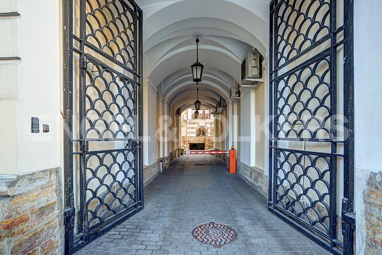Элитные квартиры в Центральном районе. Санкт-Петербург, пл. Искусств, д. 5. Контроль доступа