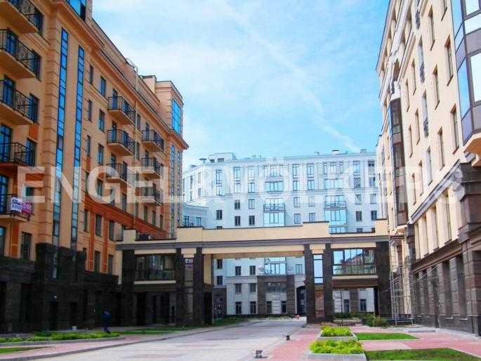 Элитные квартиры в Центральном районе. Санкт-Петербург, Парадная ул. 3. Вид комплекса