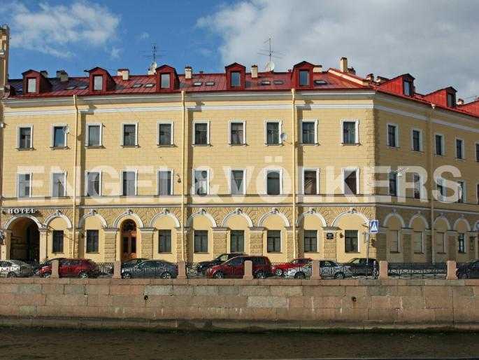 Элитные квартиры в Центральном районе. Санкт-Петербург, Наб. реки Мойки 5. Фасад дома