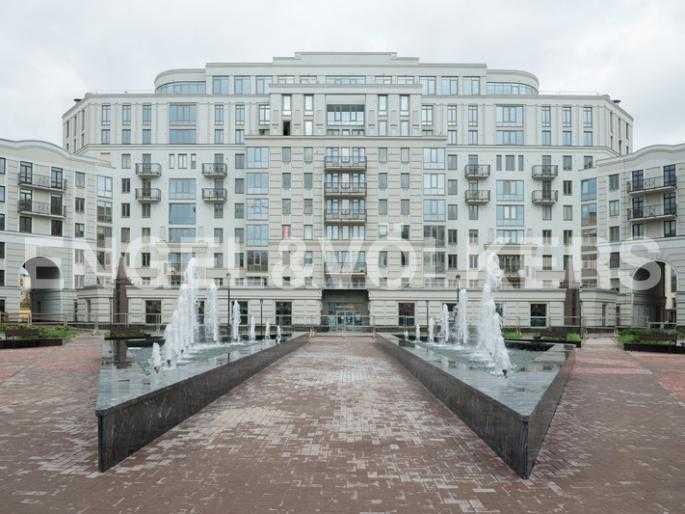Элитные квартиры в Центральном районе. Санкт-Петербург, Парадная ул. 3. Внутрення территория комплекса