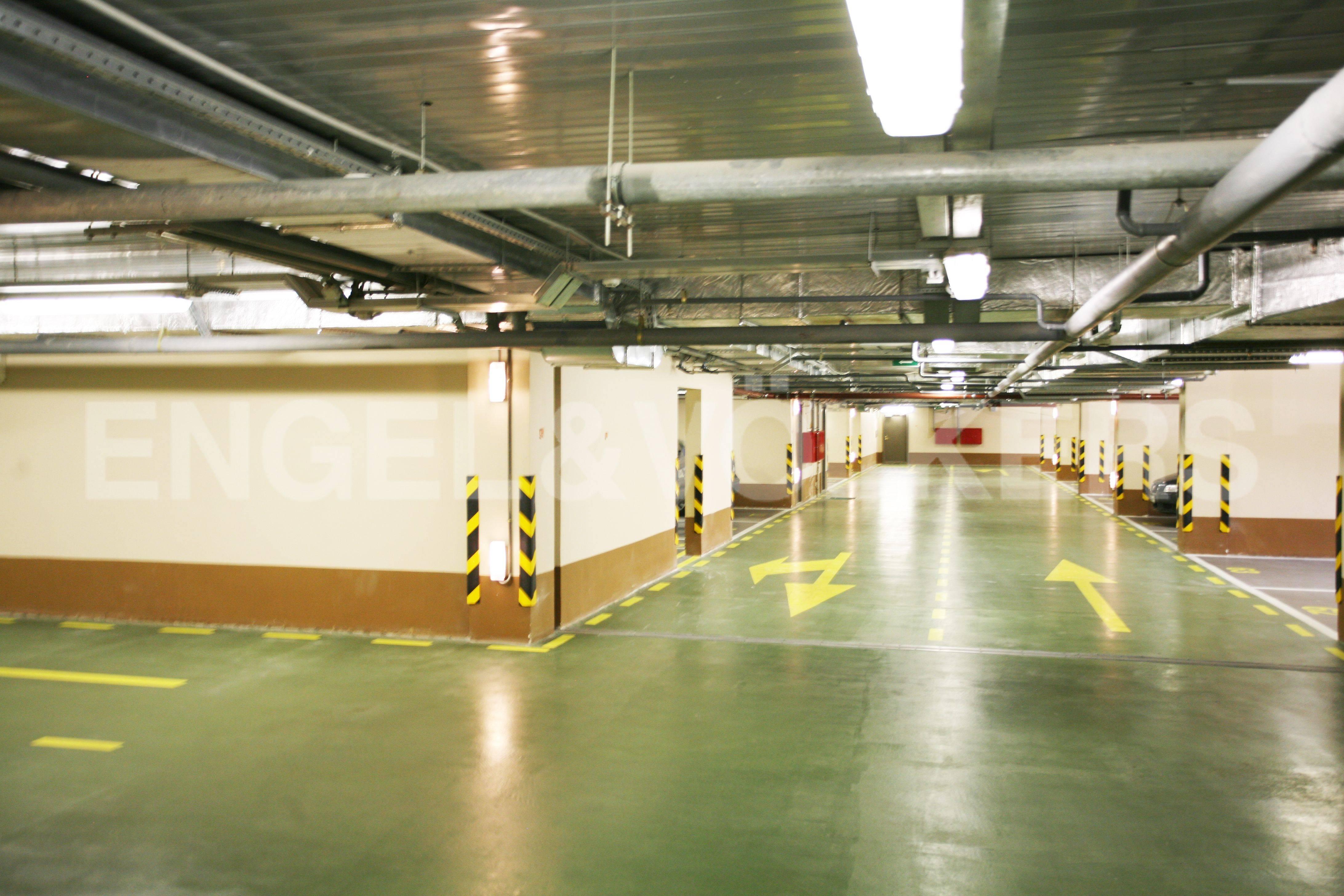 Элитные квартиры в Выборгский р-н. Санкт-Петербург, Большой Сампсониевский пр. 4-6. Подземный паркинг комплекса