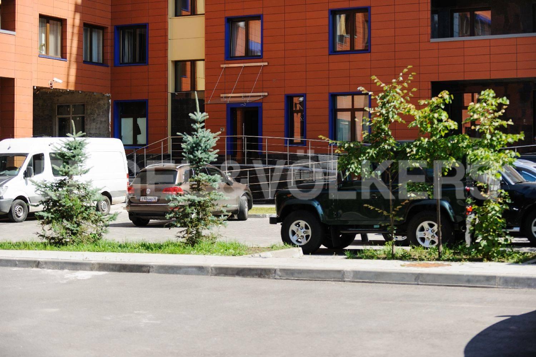 Элитные квартиры на . Санкт-Петербург, Морской пр. 28. Внутренний двор