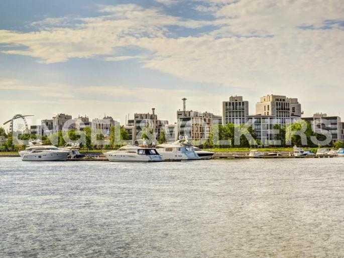Элитные квартиры на . Санкт-Петербург, Мартынова, 74. Марина для яхт