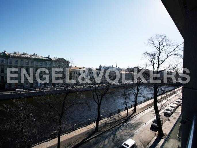 Элитные квартиры в Центральном районе. Санкт-Петербург, Наб. реки Фонтанки, 1. Вид на наб. реки Фонтанки