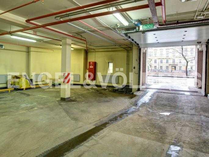 Элитные квартиры в Центральном районе. Санкт-Петербург, Наб. реки Фонтанки, 1. Въезд в подземный паркинг