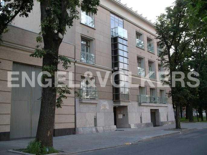 Элитные квартиры в Центральном районе. Санкт-Петербург, Наб. реки Фонтанки, 1. Фасад дома