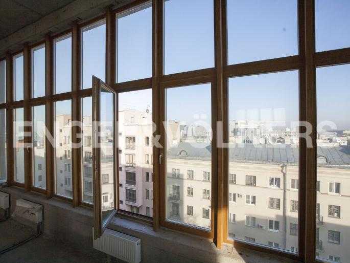 Элитные квартиры в Центральном районе. Санкт-Петербург, Тверская, 1А. Панорамное остекление