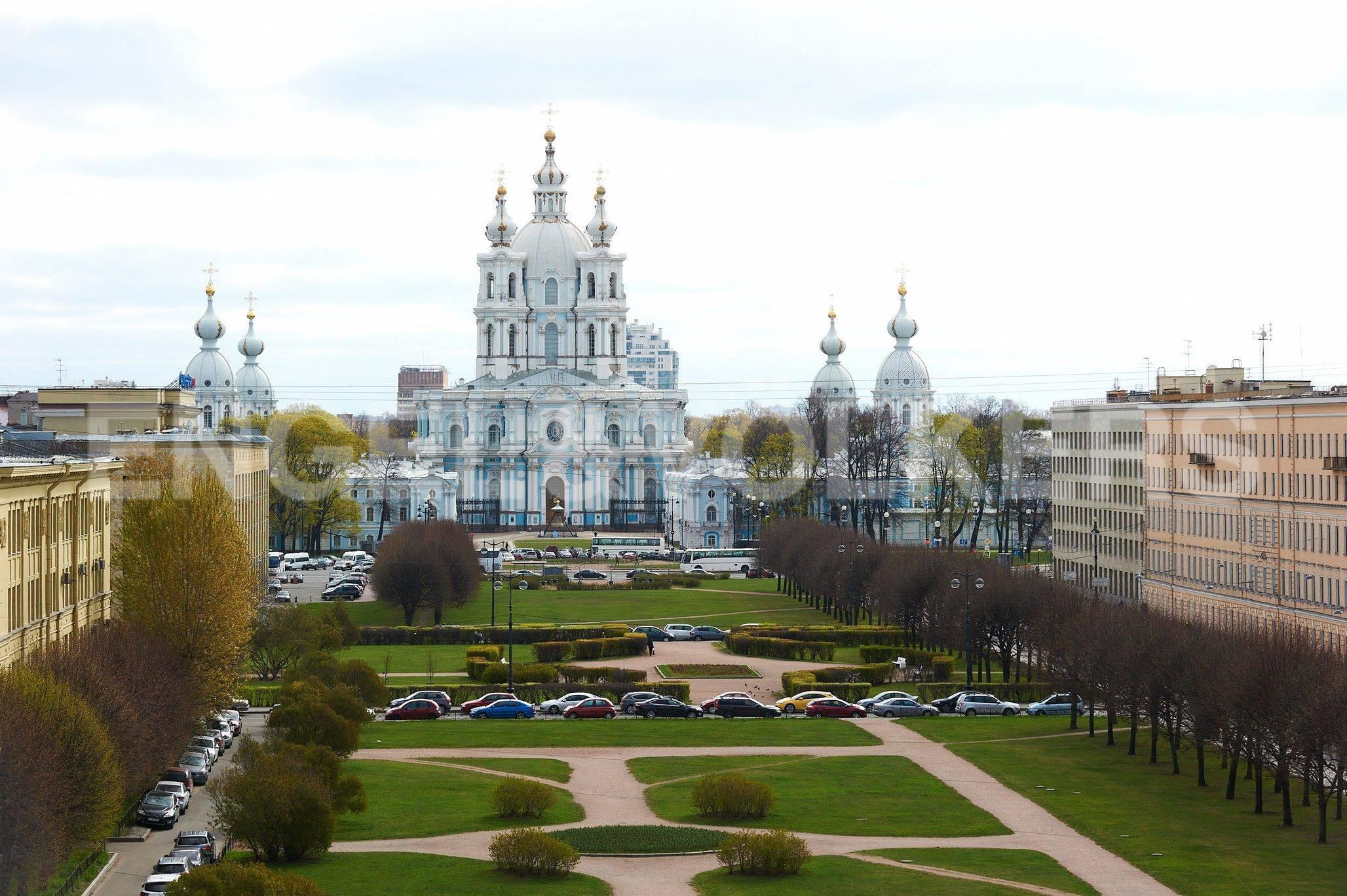 Вид на ансамбль Смольного собора из окна спальни