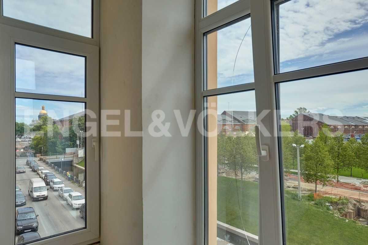 Элитные квартиры в Центральном районе. Санкт-Петербург, наб. Адмиралтейского канала, 15. Виды из окон апартаментов