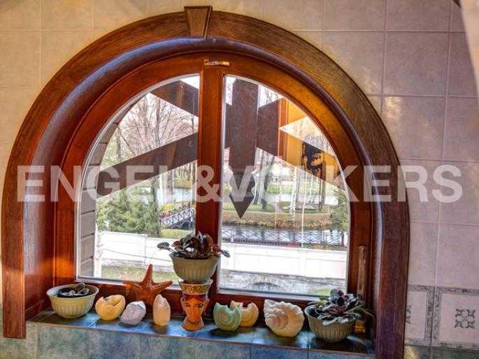 Элитные квартиры на . Санкт-Петербург, 2-я Березовая аллея, 34. Вид из ванной комнаты