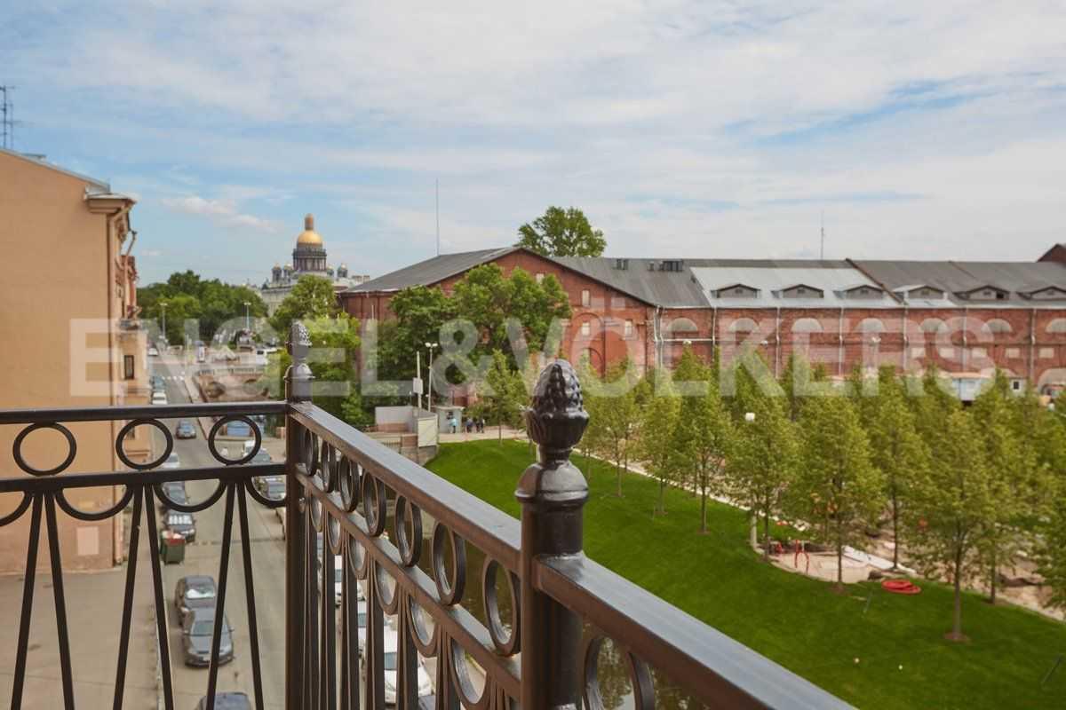 Элитные квартиры в Центральном районе. Санкт-Петербург, наб. Адмиралтейского канала, 15. Виды с балконов апартаментов