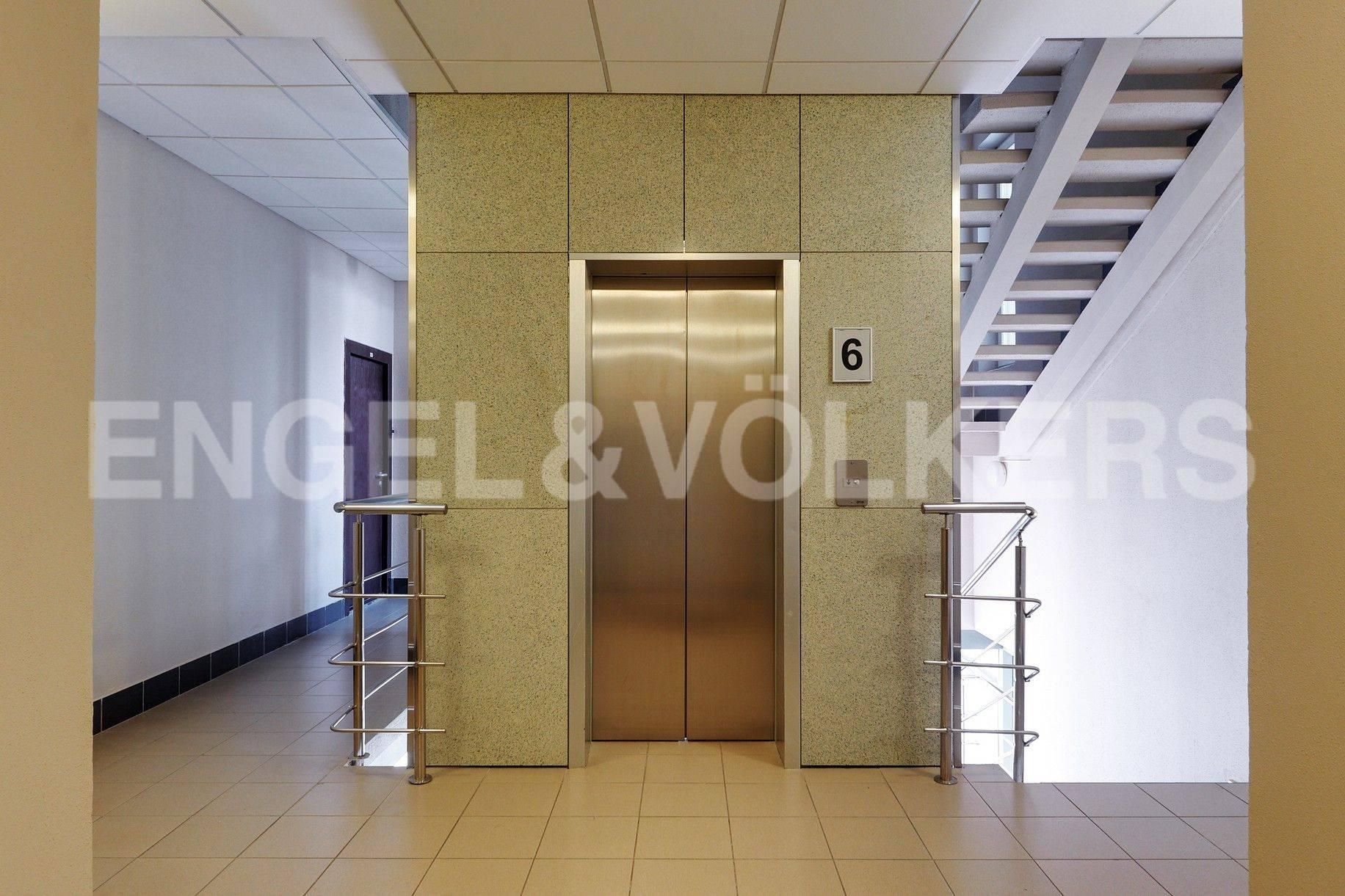 Парадная с лифтом
