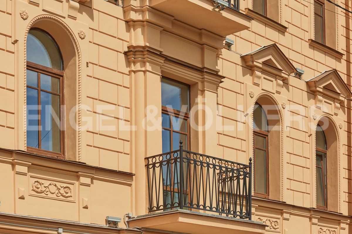 Элитные квартиры в Центральном районе. Санкт-Петербург, наб. Адмиралтейского канала, 15. Элемент фасада