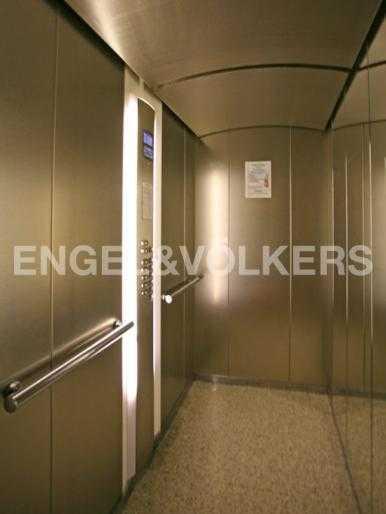 Лифт фирмы OTIS