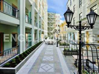 Монферран — апартаменты с лоджией в новом доме класса De luxe
