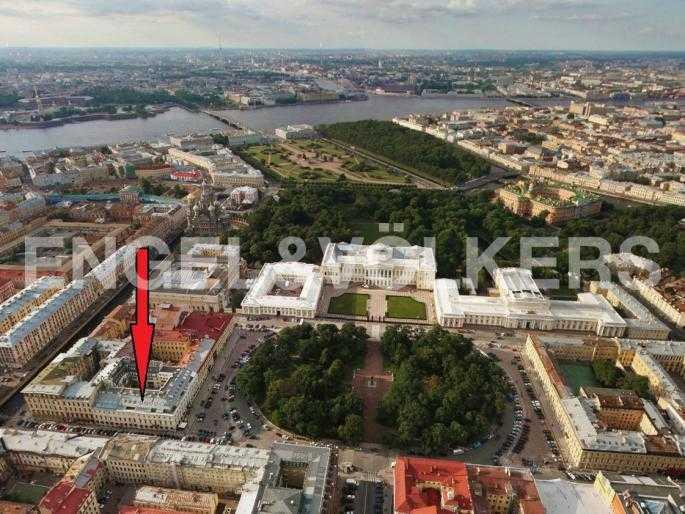 Элитные квартиры в Центральном районе. Санкт-Петербург, пл. Искусств 5. Месторасположение